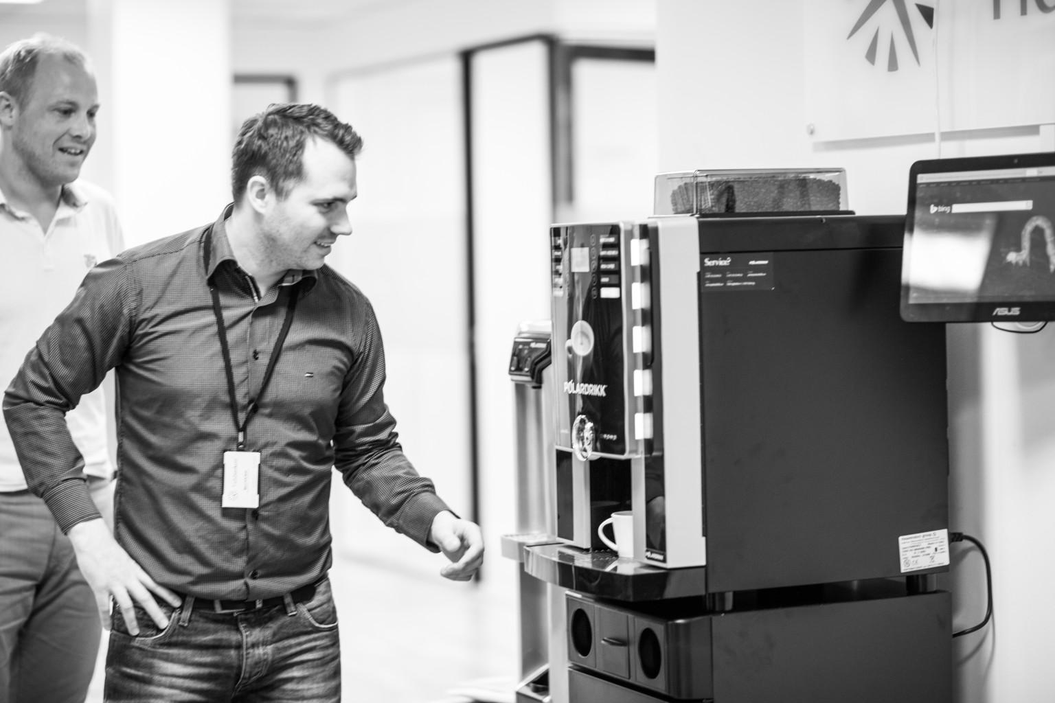 Kaffemaskin med hele bønner hos Tidsbanken As
