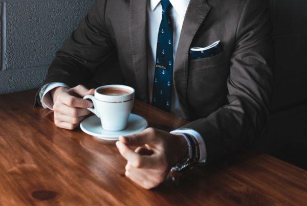 Dress og kaffe