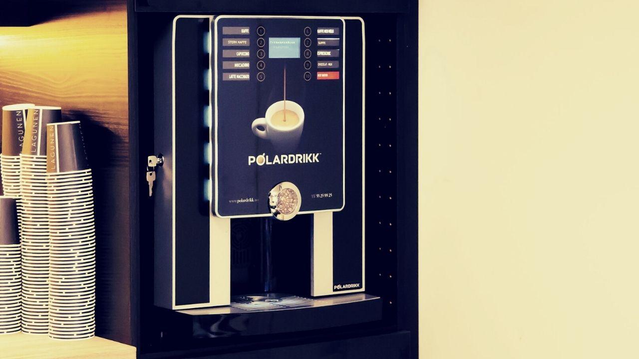 Kaffemaskin innebygget til bedrift